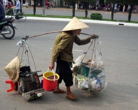 Gánh nặng trả nợ của Việt Nam ngày càng lớn. Ảnh minh họa