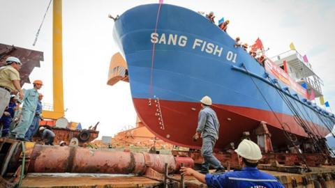 tàu thép Sang Fish 01 lúc hạ thủy. Ảnh baodatviet