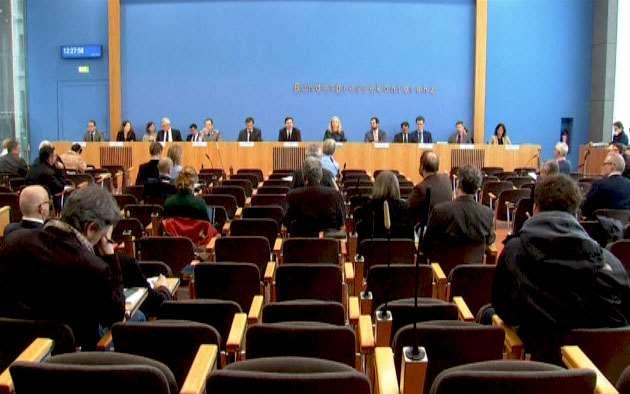 Nhiều chính trị gia tại Đức cũng đã yêu cầu thành lập một Ủy ban điều tra ở Quốc hội để điều tra và đánh giá tính xác thực của cá hoạt động trốn thuế của hàng ngàn người Đức. Ảnh TTXVN