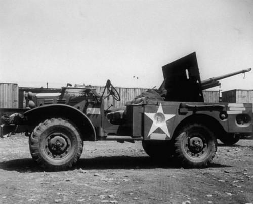 Trận chiến đấu đầu tiên của Mỹ với lực lượng thiết giáp Đức