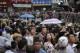 Người dân ài Gò náo nức chờ đón tổng thống Obama. Ảnh nld.com.vn