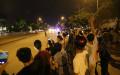 Người Hà Nội chào đón xe Tổng Thống Obama