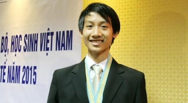 Từ khi học lớp 11, Nhật Minh đã đạt được HCV Olympic Tin học Châu Á và HCB Olympic Tin học Quốc tế. (Ảnh: giaoducthoidai.vn)