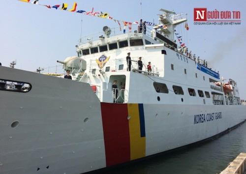 Tàu huấn luyện trên biển của Hàn Quốc ghé thăm Đà Nẵng - Ảnh 2