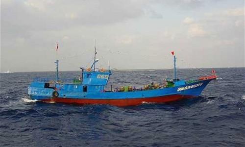 Một tàu cá của Trung Quốc. Ảnh: Reuters.