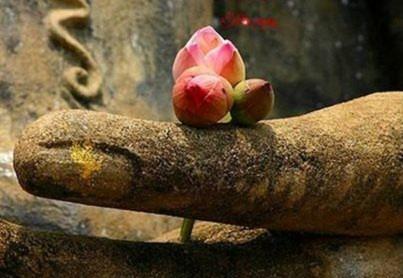 Nhân quả báo ứng, không phải vì Thần Phật không từ bi, mà là để đảm bảo sự công bình cho lẽ phải. (Ảnh minh họa/Sưu tầm)