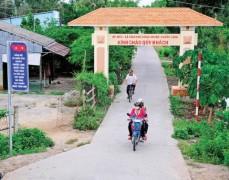 Huyện Phước Long cấp tập xây dựng nông thôn mới, hiện đang gánh nợ 400 tỷ đồng. Ảnh: Người Lao động