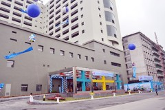 Khu khám bệnh nằm trong khối nhà 15 tầng được xây mới trong   Bệnh viện Nhi Trung ương, địa chỉ tại 18/879 La Thành, Đống Đa,  Ảnh website Bộ Y Tế