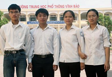 """Trường THPT Vĩnh Bảo từng được tôn vinh là """"ngôi trường làng của các thủ khoa"""". Ảnh báo Lao Động"""