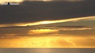 UFO theo dõi Trái Đất, Bài chọn lọc,