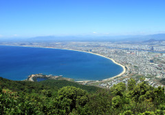 """Biển Đà Nẵng đang bị một số ấn phẩm, trang web ghi thành """"China Beach"""". Ảnh: Nguyễn Đông - vnexpress.net"""