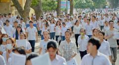 Thí sinh dự thi THPT 2016 tại hội đồng thi Đại học Bách khoa Hà Nội. Ảnh: Dương Triều- vnexpress.net