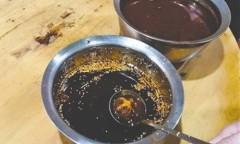 Chủ nhà hàng thừa nhận đã cho vỏ quả anh túc vào tương ớt để thực khách bị nghiện đồ ăn. Ảnh: SCMP.