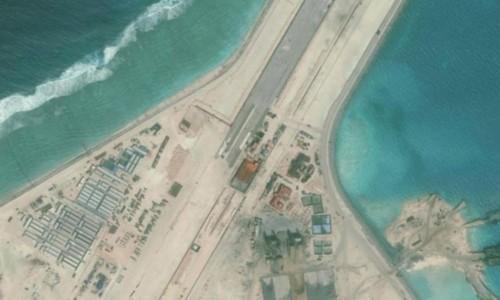 Sân bay trái phép do Trung Quốc xây dựng trên đá Subi, thuộc quần đảo Trường Sa của Việt Nam. Ảnh: Reuters.