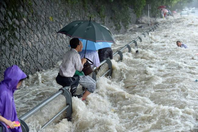 Chứng kiến thủy quái trên sông Tiền Đường, nhiều người không khỏi rùng mình trước sức mạnh của mẹ Thiên nhiên - Ảnh 18.