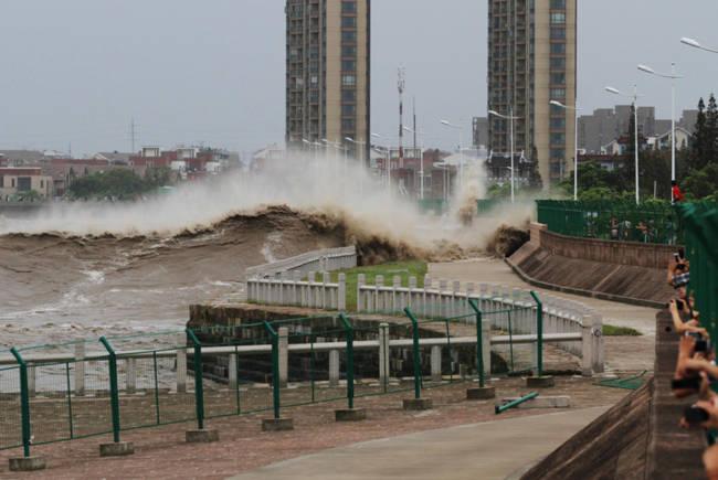 Chứng kiến thủy quái trên sông Tiền Đường, nhiều người không khỏi rùng mình trước sức mạnh của mẹ Thiên nhiên - Ảnh 5.