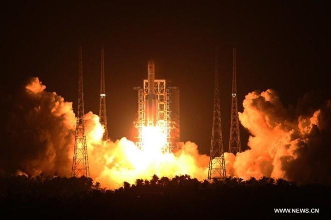 Kết quả hình ảnh cho Trung Quốc phóng thành công tên lửa đẩy mạnh nhất