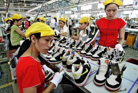 Công nhân Việt Nam được trả lương thấp hơn Trung Quốc