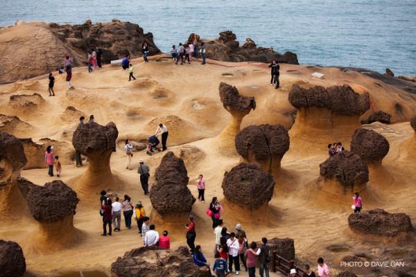Công viên địa chất Dạ Liễu, nơi đo được năng lượng tầng cao nhất câu thông với tâm linh cao tầng, rất tốt cho sức khỏe và người tập thiền. Ảnh internet