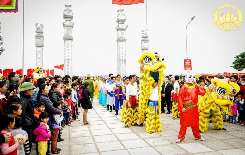 Tưng bừng sắc màu lễ hội tưởng nhớ Kinh Dương Vương