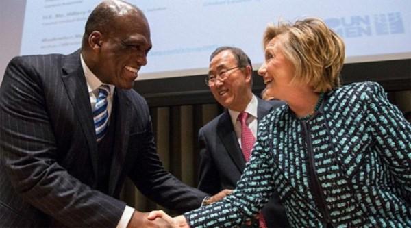 Hillary Clinton, Gia đình Clinton, chinh tri, Cái chết bí ẩn,