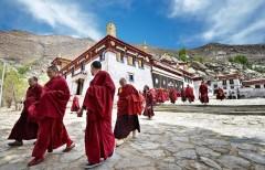 Tây Tạng, vùng đất thiêng đang dần bị mất đi bản sắc. (Ảnh: Internet)