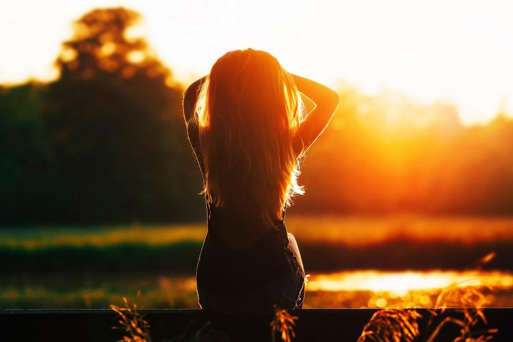 Phơi nắng giúp cơ thể tổng hợp vitamin D, tăng cường miễn dịch… (ảnh: Shutterstock)