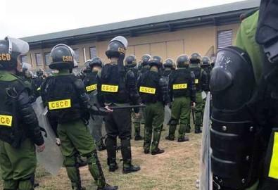 Cảnh sát cơ động được điều động tăng cường đến Mỹ Đức hôm 16/4/2017. Ảnh của người dân