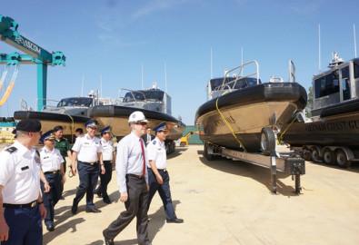 Đại sứ Mỹ Ted Osius tại lễ bàn giao 6 tàu tuần tra cao tốc cho lực lượng Cảnh sát biển Việt Nam