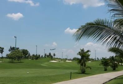 Cử tri đề nghi thu hồi đất sân golf trong sân bay Tân Sơn Nhất để mở rộng sân bay