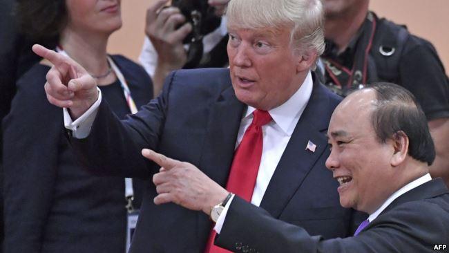 Ông Trump và Thủ tướng Việt Nam Nguyễn Xuân Phúc gặp lại nhau tại hội nghị thượng đỉnh G20 ở Đức hôm 8/7.