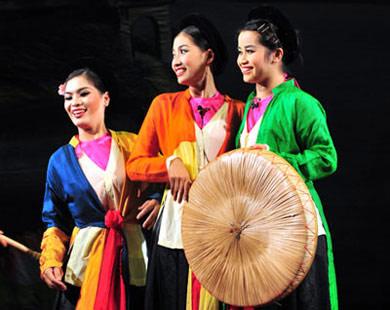 Một cảnh hát chèo. Ảnh từ sankhau.com.vn