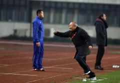Niềm vui của ông Park sau khi tiếng còi kết thúc trận vang lên-Ảnh: NGUYÊN KHÔI