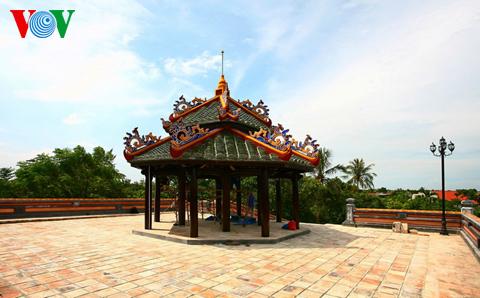 Quan tượng đài được phục dựng năm 2012. Ảnh vov.vn