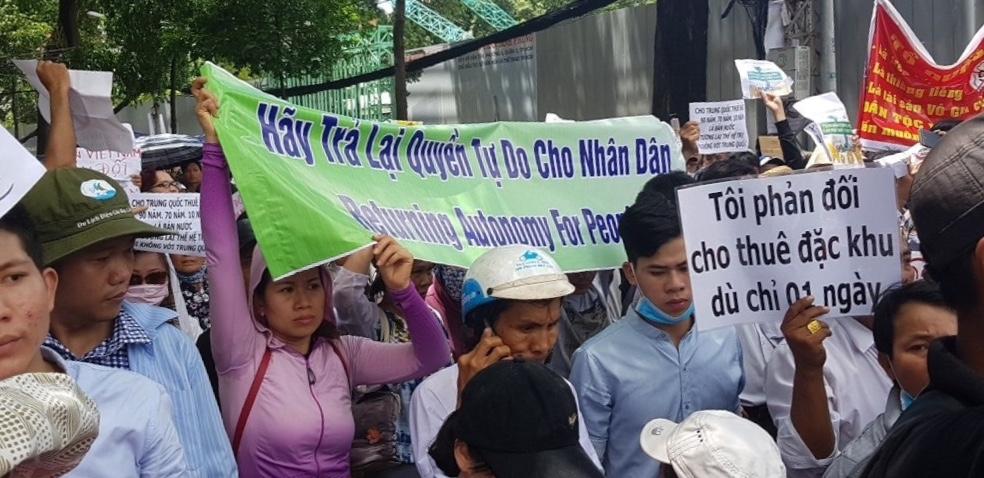 Biểu tình ở Sài Gòn. Ảnh từ mạng xã hội