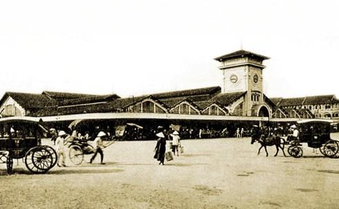 Chợ Bến Thành lúc mới xây xong tháng 3/1914, chưa làm lễ khai thị. (Ảnh từ ilovesaigon.net)