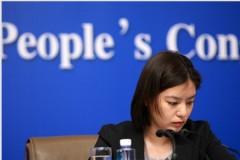 Người thường xuất hiện với vai trò phiên dịch viên trong các cuộc gặp mang tính quốc tế được cho là Tập Minh Trạch – con gái của ông Tập Cận Bình (Ảnh từ internet)