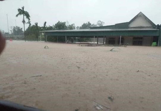 Lũ lụt huyện Cẩm Xuyên. Ảnh cộng tác viên báo laodong.vn