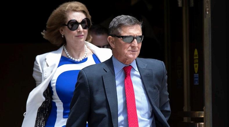 Cựu cố vấn an ninh quốc gia Michael Flynn rời khỏi toà án liên bang ở Washington, Hoa Kỳ, vào ngày 24/6/2019.