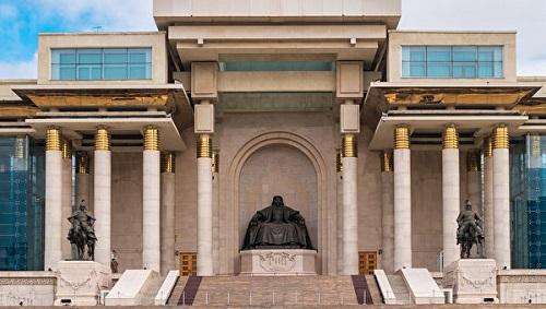 Đại tướng Mộc Hoa Lê (bên phải) và Bác Nhĩ Truật (bên trái) tại Bảo tàng Thành Cát Tư Hãn ở Ulanbato Mông Cổ. (Ảnh: Maykova Galina, Shutterstock, Royalty-free stock photo)